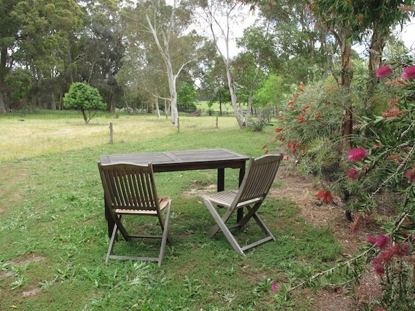 margaret-river-farmstay-outdoor-setting