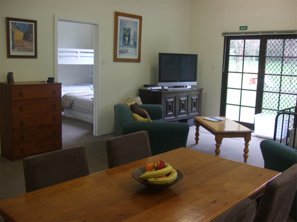 olive-hill-farmstay-margaret-river-dining-area