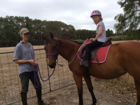 horse-back-riding-at-olive-hill-farm