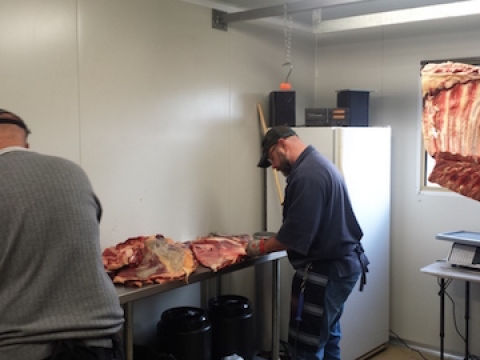 preparing-the-meats-at-margaret-river-smokery-and-deli