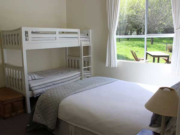 family-bedroom-olive-hill-farmstay-bed-and-breakfast