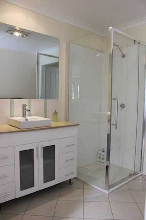 modern-bathroom-margaret-river-bed-and-breakfast